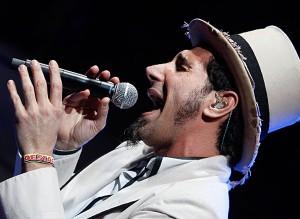Статья о концерте Сержа Танкяна в Москве 2008 года